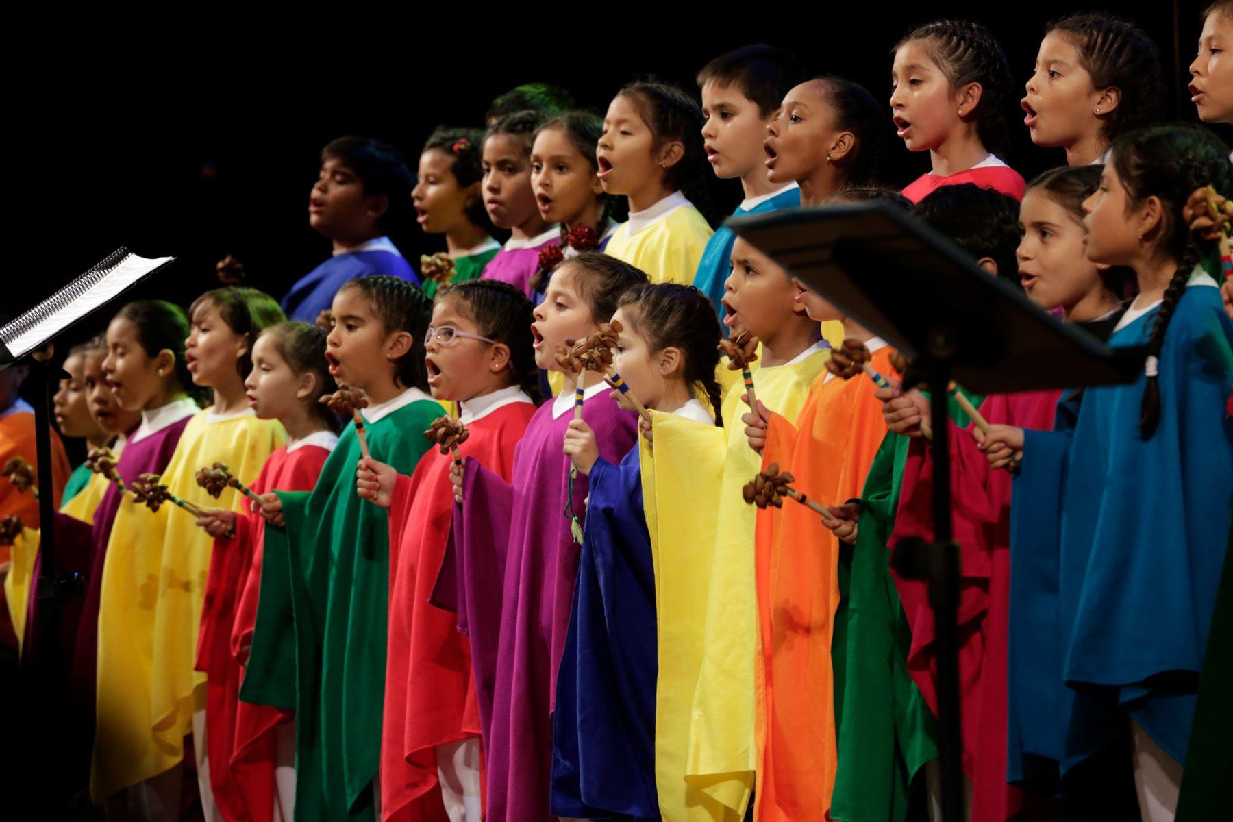 """Gran Teatro Nacional transmitirá """"Cantos del Ande"""" del Coro Nacional de Niños."""