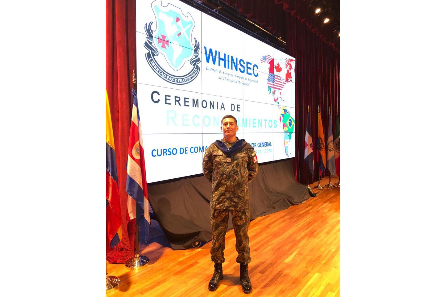 Mayor del ejército peruano, José Maguiña fue ejemplo de rendimiento y dedicación en curso internacional organizado por el Ejército de los Estados Unidos. ANDINA/Difusión