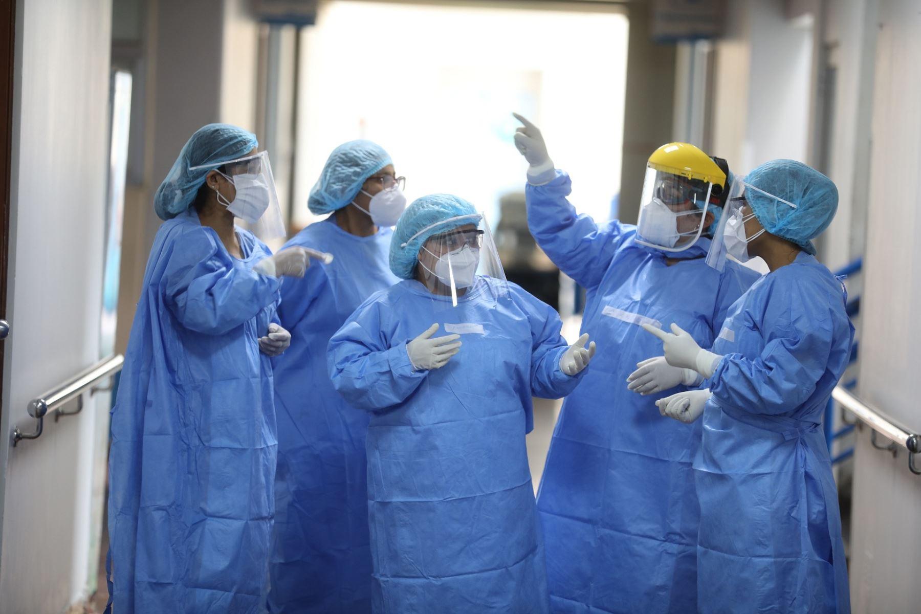 Peruvian frontline doctors. Photo: ANDINA.