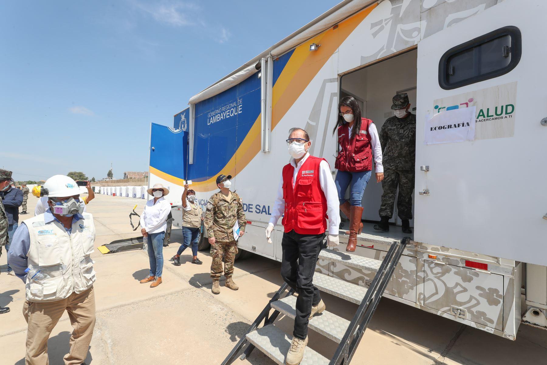 Ministro de Defensa, Walter Martos, llega a Lambayeque para presentar el Centro de Aislamiento Voluntario y un Hospital de Campaña. Foto: MINDEF
