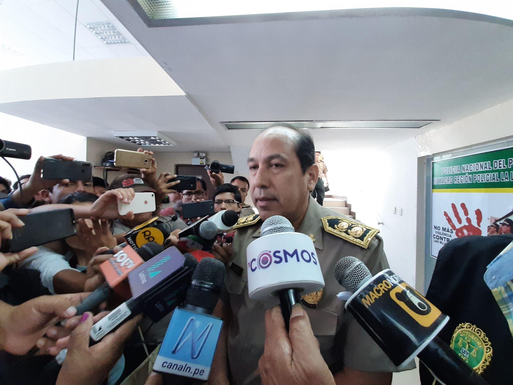 El Ministerio del Interior separó del cargo al jefe de Macrorregión Policial La Libertad-Áncash, general PNP Lucas Núnez, por presuntas irregularidades en la compra de productos durante la emergencia sanitaria. Foto: ANDINA/difusión.