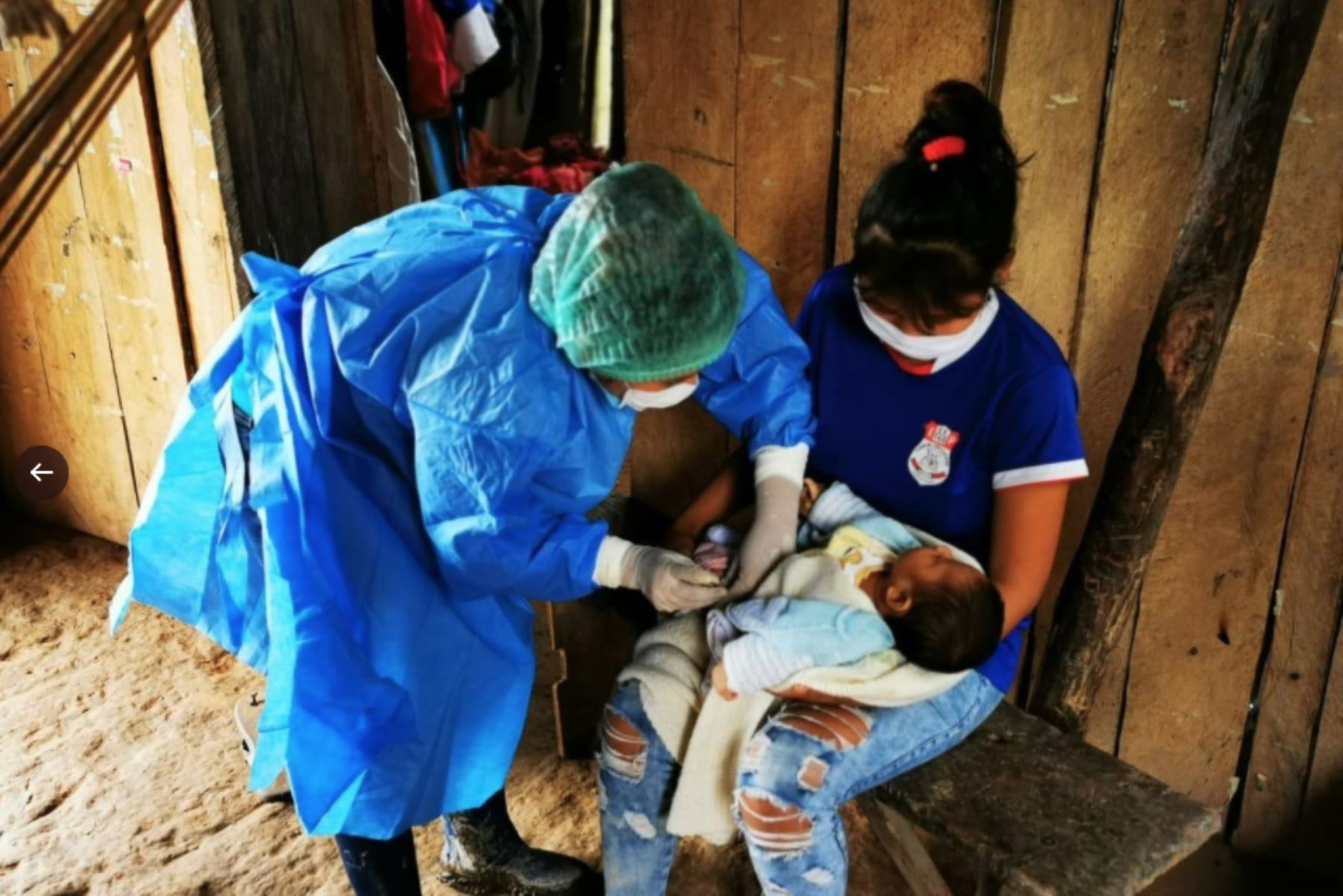 Brigadas de vacunación del Minsa, llegaron al caserío Inayuca en SanMartín, para cuidar a más peruanos contra la influeza y neumococo. Foto:ANDINA/Minsa
