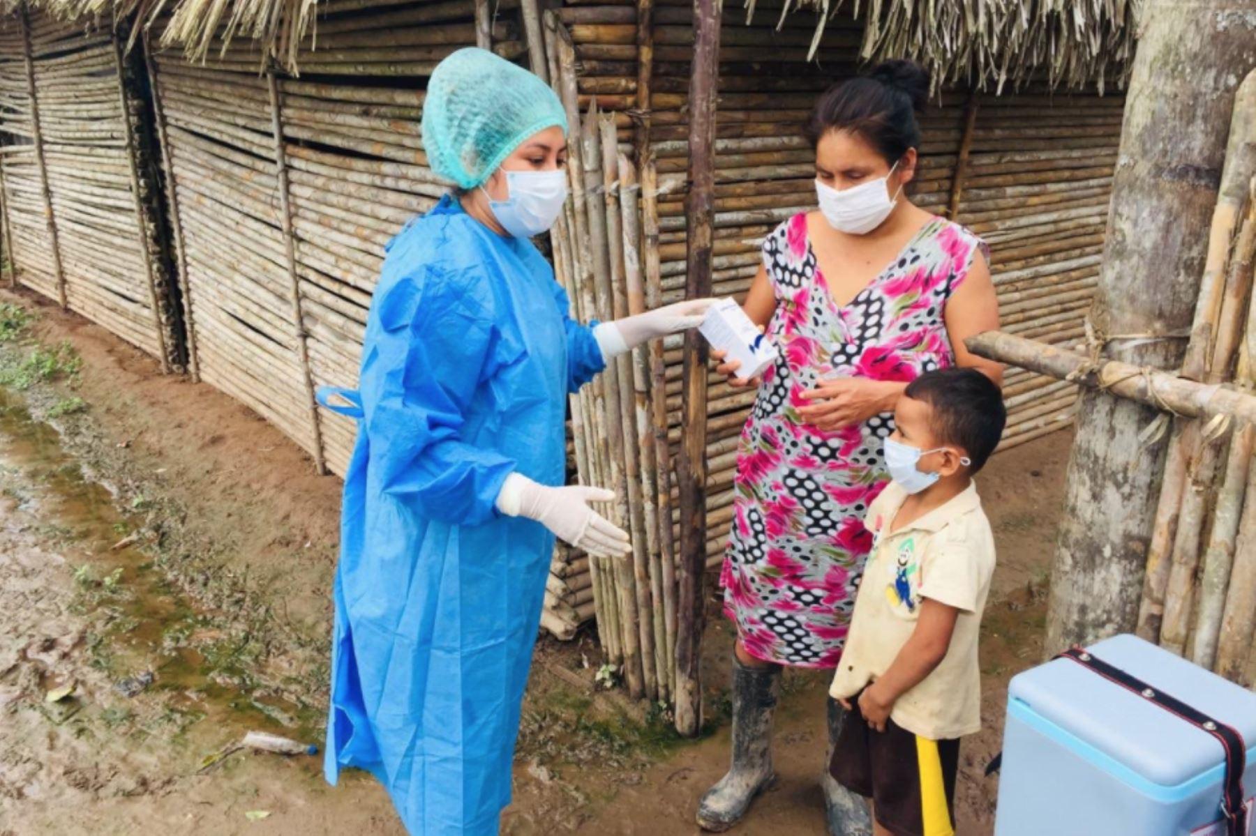 Brigadas de vacunación del Minsa, llegaron al caserío Inayuca en SanMartín, para cuidar a más peruanos contra la influeza y neumococo.Foto:ANDINA/Minsa