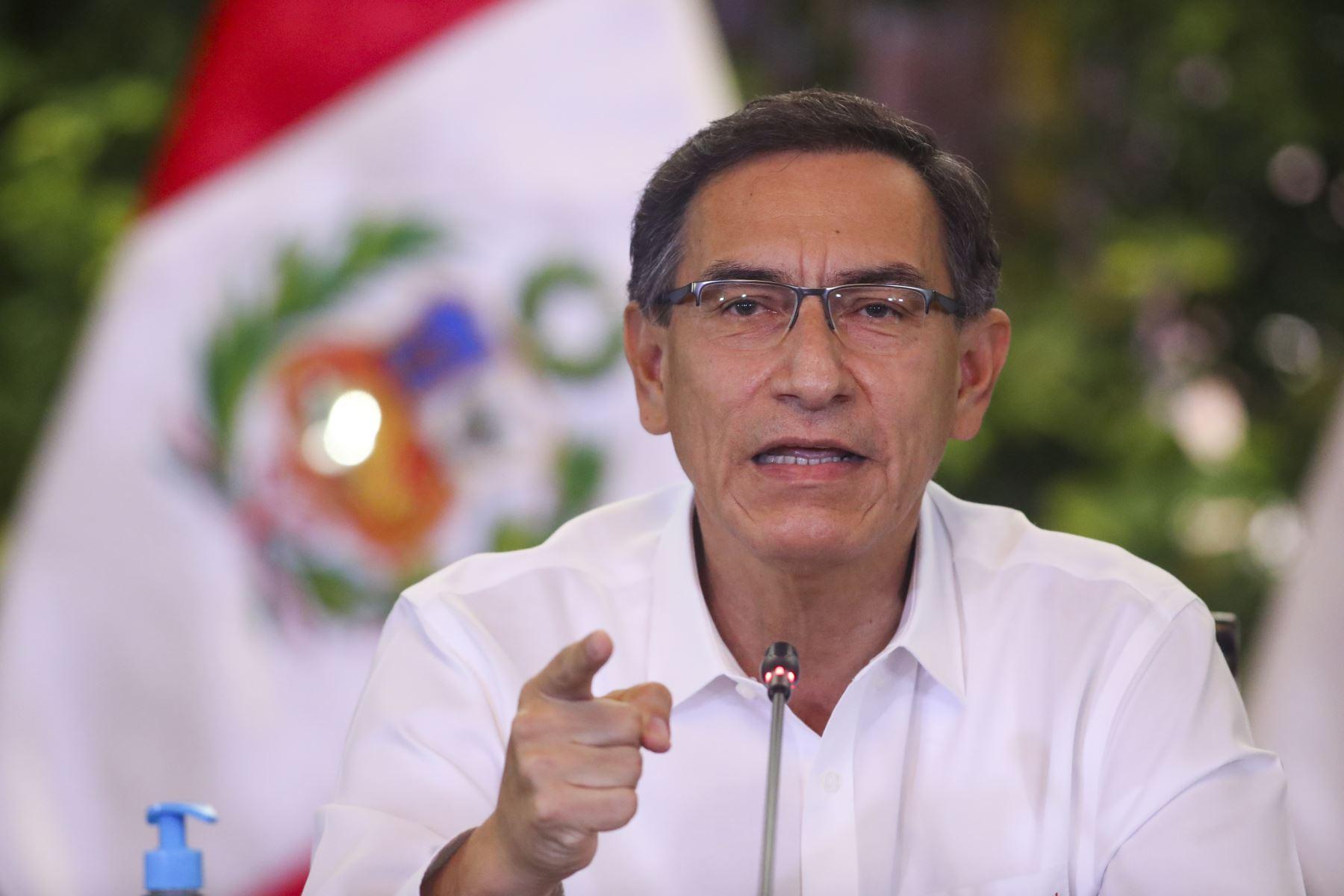 El presidente Martín Vizcarra brinda un pronunciamiento sobre las medidas adoptadas por el Gobierno en el marco del estado de emergencia nacional por el covid-19.  Foto: ANDINA/ Prensa Presidencia