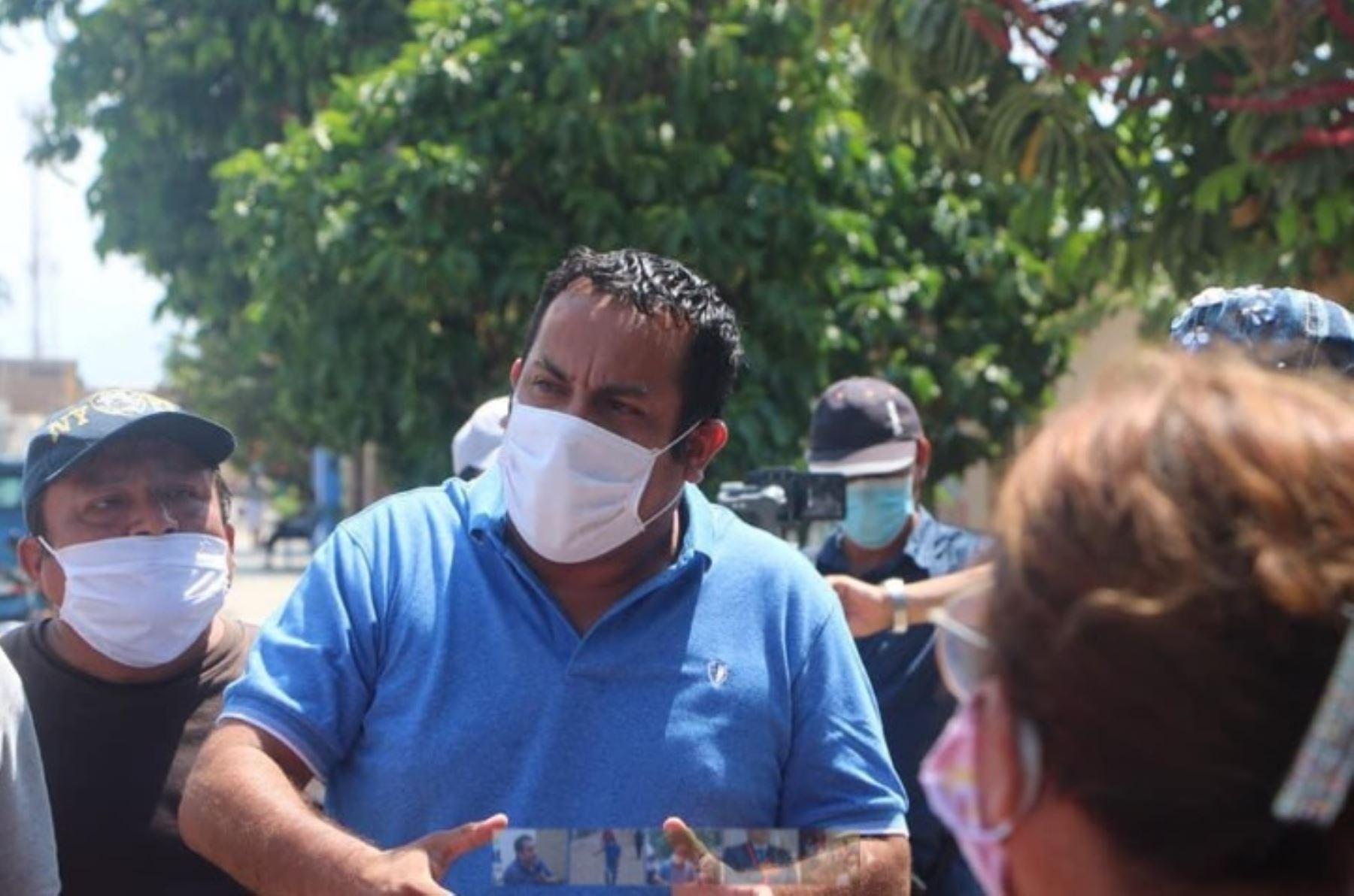 El alcalde de la provincia liberteña de Pacasmayo-San Pedro de Lloc, Víctor Raúl Cruzado Rivera, informó que dio positivo en la prueba rápida de covid-19 y es asintomático, por lo que cumplirá estríctamente los 14 días de cuarentena sanitaria en su vivienda.