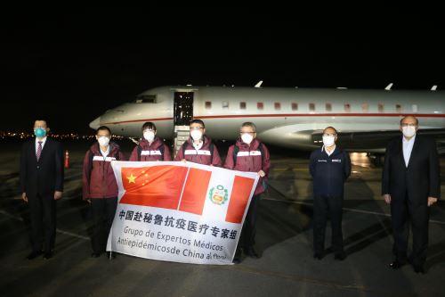 Coronavirus: Cuatro médicos llegan de China a enfrentar la pandemia del covid-19