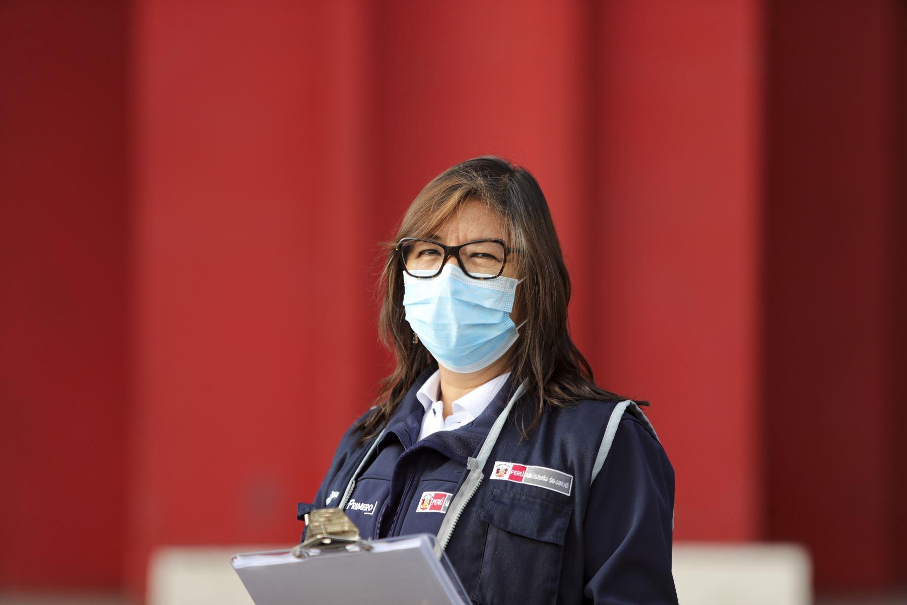 Personal médico encargado de realizar pruebas rápidas en distintos puntos de la ciudad. Foto: ANDINA/Presidencia