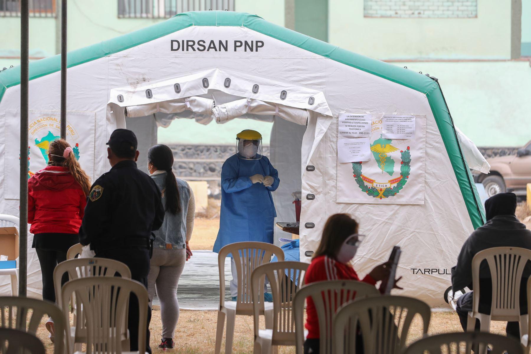 Presidente Martín Vizcarra visita Hospital de Campaña de la PNP, donado por la empresa privada. Foto: ANDINA/Prensa Presidencia