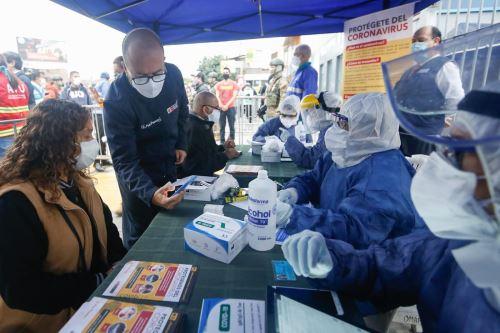 Coronavirus: Realizan pruebas rápidas de covid-19 a operarios del transporte del Metropolitano