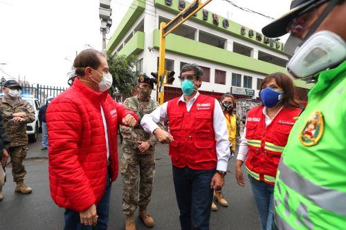 Coronavirus: Ministros de Defensa y Transportes supervisan toma de pruebas rápidas en Estación Gamarra
