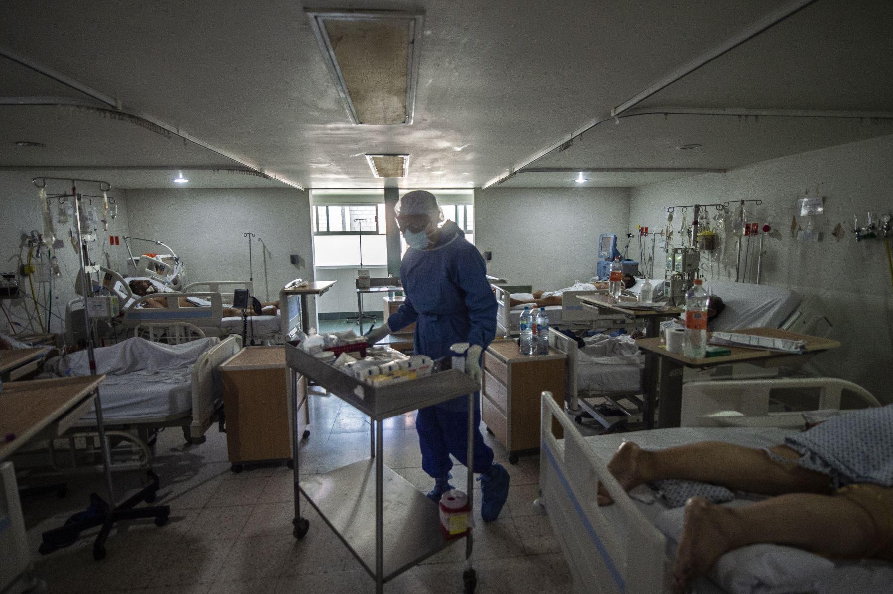 Los casos de covid-19 confirmados por la Organización Mundial de la Salud (OMS) en todo el mundo alcanzaron hoy los 5,3 millones de los que 342,029 han fallecido. Foto: AFP