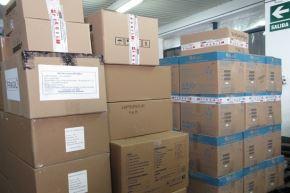 El Ministerio de Salud envió más siete toneladas de insumos médicos y equipos de protección personal para la lucha contra el covid-19 a seis regiones. Foto: Minsa