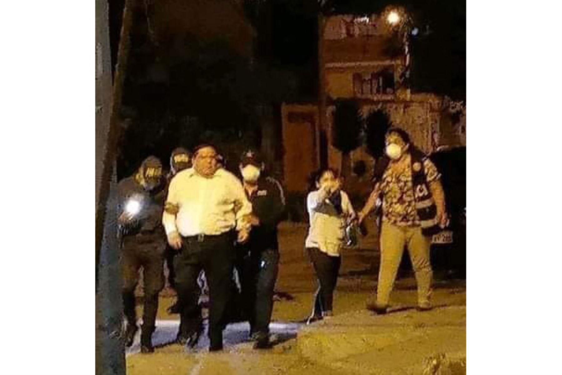 El alcalde de la provincia del Santa (Áncash), Roberto Briceño, fue intervenido por no respetar la inmovilización social obligatoria. Foto: difusión.