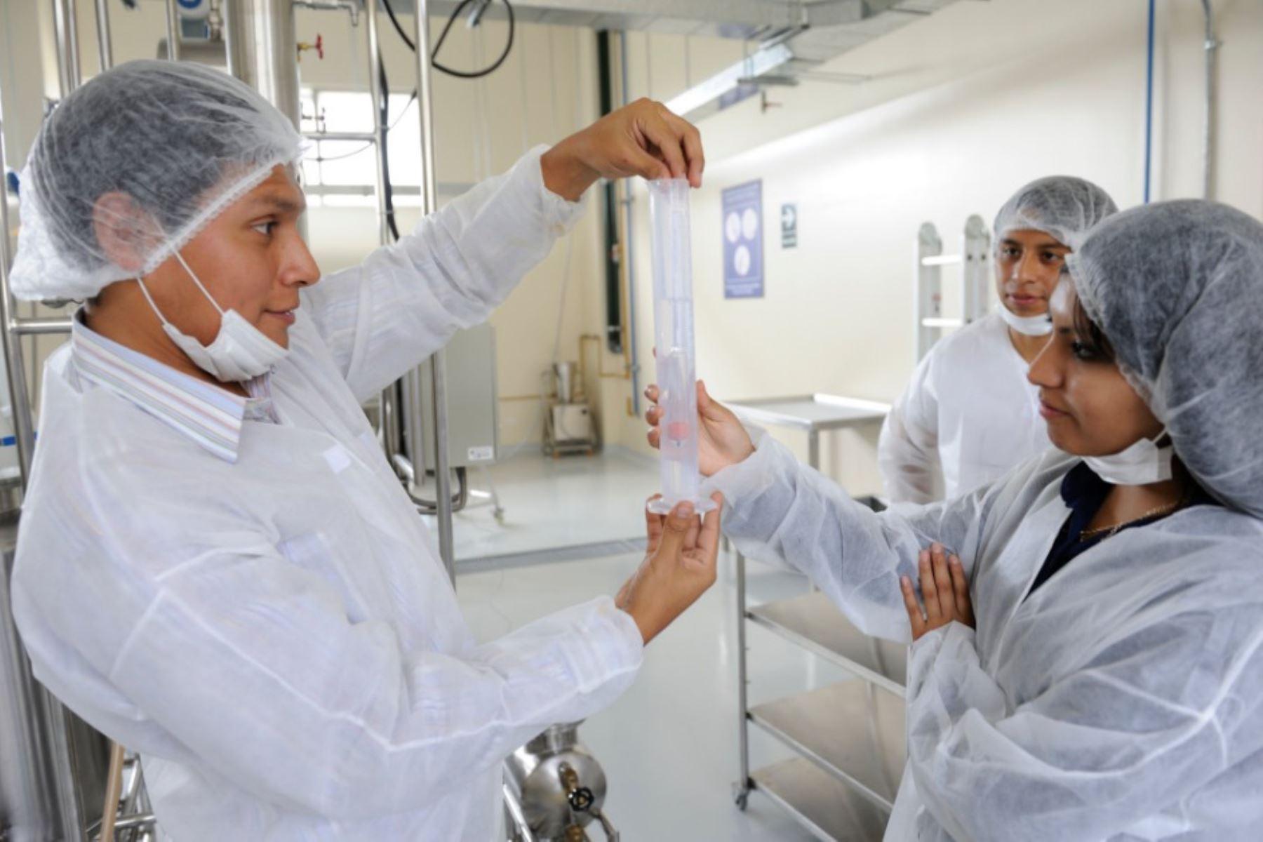 Atención, investigadores! Concytec reinicia convocatoria a becas de salud |  Noticias | Agencia Peruana de Noticias Andina