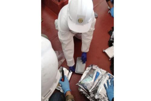Personal de la Dirección Antidrogas decomisa más de 172 Kg, al parecer alcaloide cocaína en el Callao