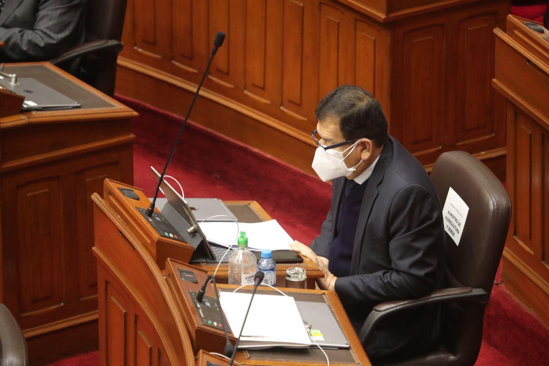 Ministro de Agricultura y Riego, Jorge Montenegro, participa de la presentación del Gabinete ante la sesión virtual de Pleno del Congreso. Foto: PCM