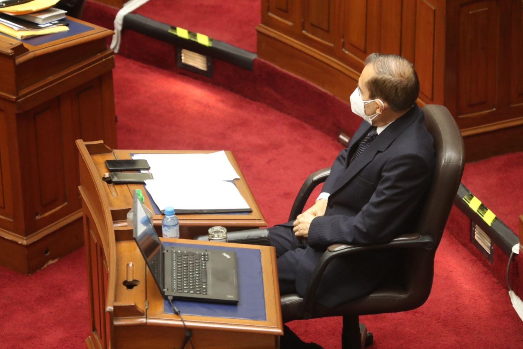 El ministro de Defensa, Walter Martos, en sesión del Congreso. Foto: ANDINA/PCM