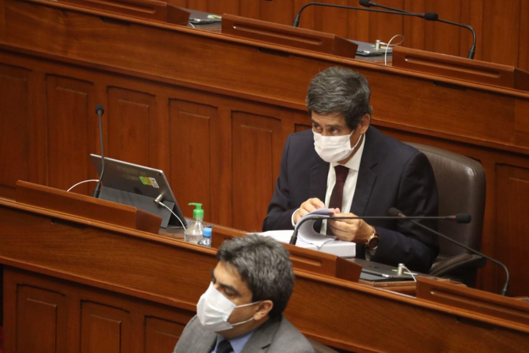 Ministro de Transportes y Comunicaciones, Carlos Lozada, en sesión del Congreso. Foto: ANDINA/PCM