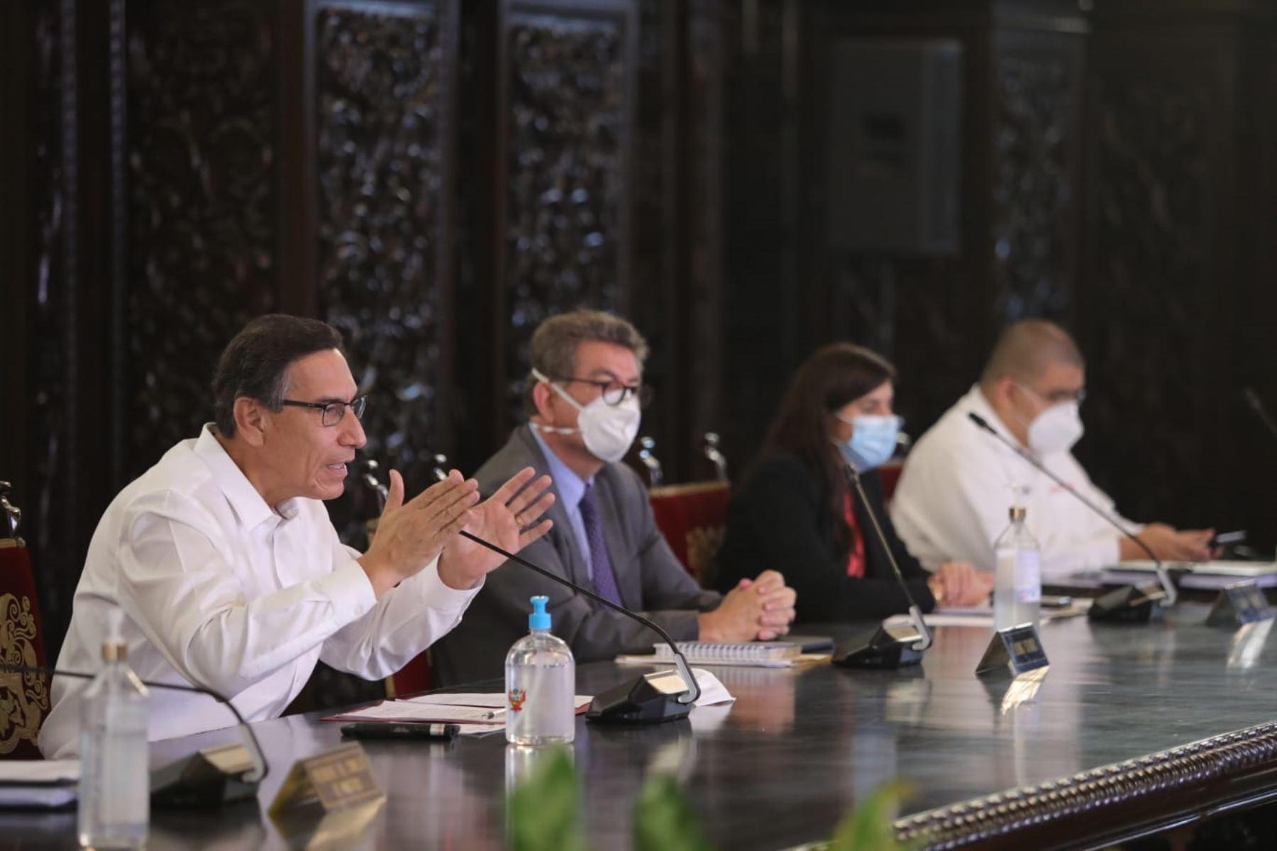 El presidente Martín Vizcarra informa sobre la situación del Estado de Emergencia en el Día 76 y las acciones que realiza el Gobierno para contener la propagación del covid-19. Foto: ANDINA/ Prensa Presidencia