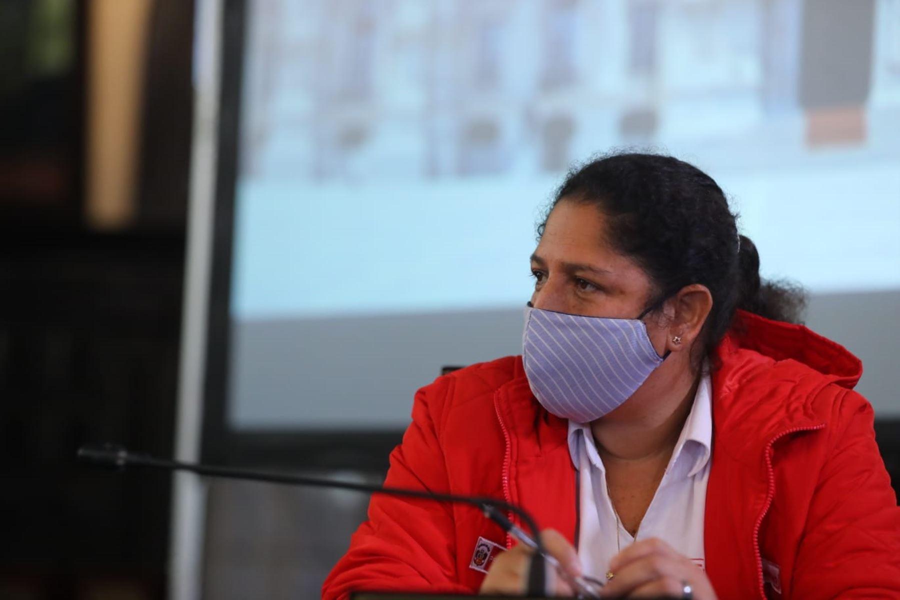 El presidente Martín Vizcarra informa sobre la situación del Estado de Emergencia en el Día 76 y las acciones que realiza el Gobierno para contener la propagación del covid-19. Ministra de Ambiente, Fabiola Muñoz, participa de la conferencia. Foto: ANDINA/ Prensa Presidencia