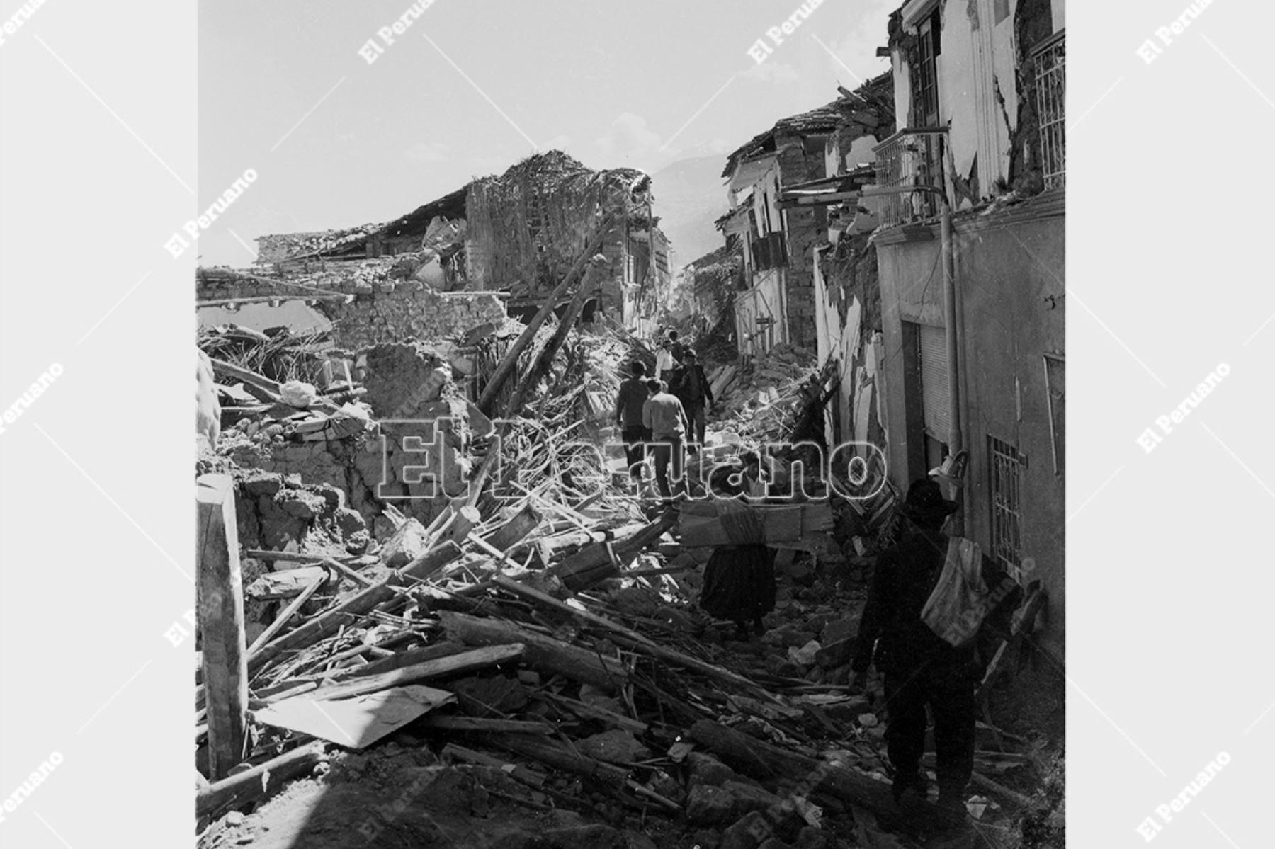 Ancash - 1 junio 1970 / Terremoto de Yungay. Viviendas en escombros en la ciudad de Huaraz. Foto: Archivo Histórico de El Peruano
