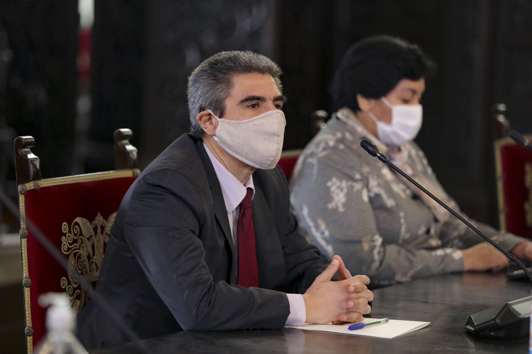 El flamante titular del Ministerio de Cultura, Alejandro Neyra Sánchez participa en conferencia de prensa. Foto: ANDINA/Prensa Presidencia