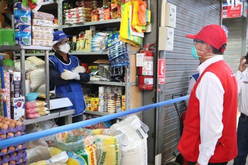 Coronavirus: Ministro Montengro supervisa protocolos de bioseguridad en mercado de Piura