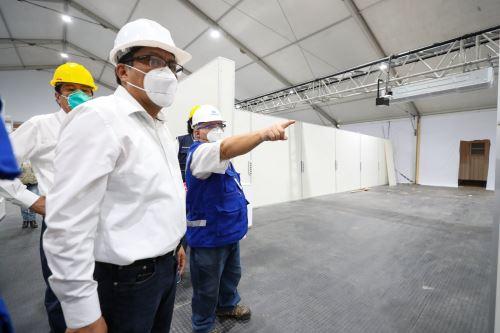 Coronavirus: Jefe de Gabiente inspecciona trabajos en hospitales de Piura