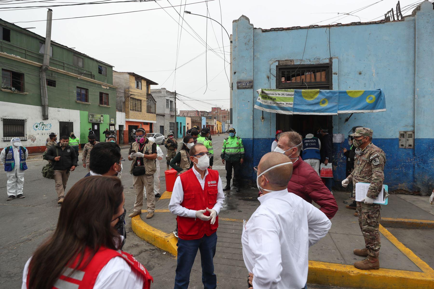 Ministro de Defensa, Walter Martos Ruiz, supervisó inicio de operación piloto Tayta de Te Cuido Perú para brindar atención a  población vulnerable frente a covid-19. Foto: Mindef