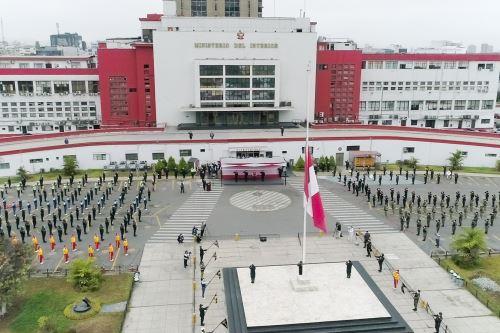 Coronavirus: Ceremonia de reconocimiento a 150 efectivos de la Policia Nacional que vencieron al covid-19 y se reincorporan al servicio