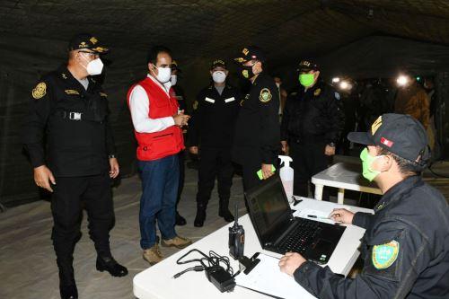 Coronavirus: Ministro del Interior participa en operativo policial de control y fiscalización en el distrito de Carabayllo