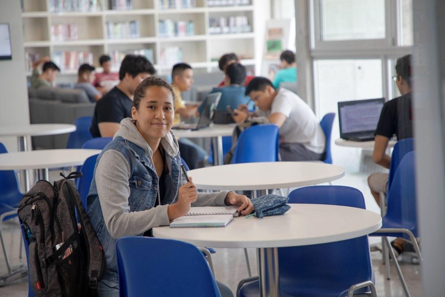 Pronabec lanza 10,000 becas para estudiantes afectados por la emergencia. Foto: ANDINA/Difusión.