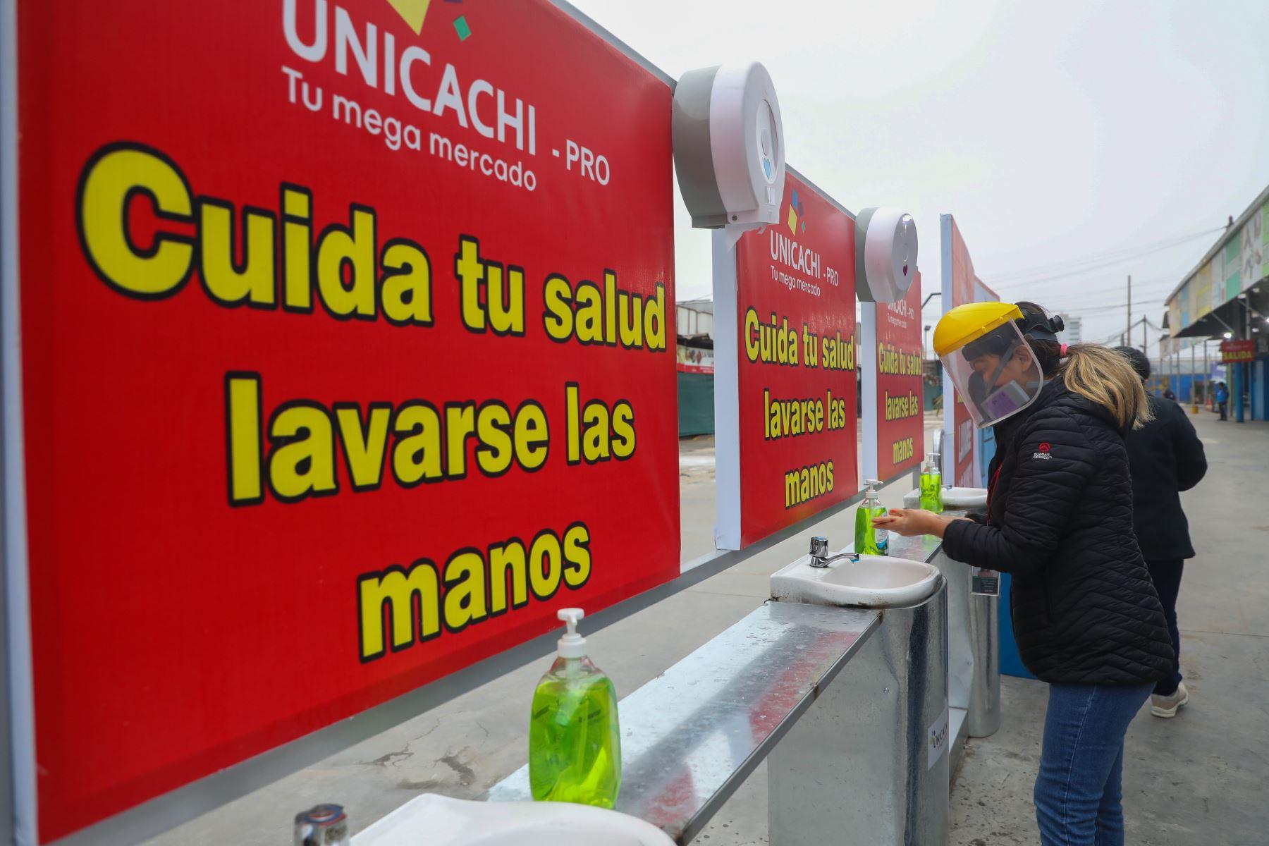 Luego de 18 días de permanecer cerrado, el mercado San Pedro de Unicachi, en Comas, reabrirá mañana sus puertas. Foto: ANDINA/Difusión