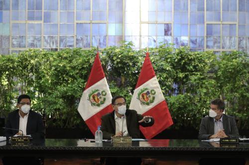 El presidente Martin Vizcarra y el titular de la PCM, Vicente Zeballos, encabezaron una nueva sesión del Consejo de Ministros, donde se evaluaron las medidas adoptadas y acciones del Ejecutivo en el marco del Estado de Emergencia por el covid-19