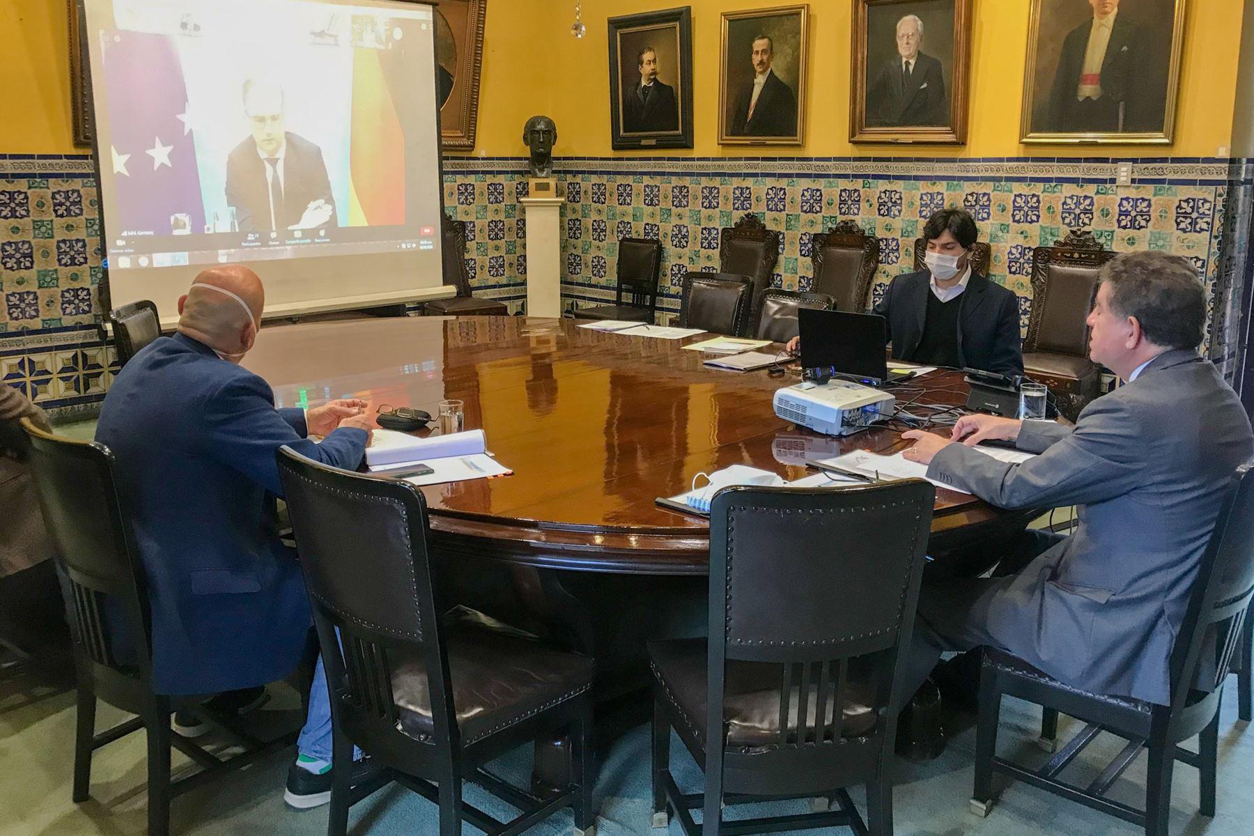 """Canciller Gustavo Meza Cuadra participa hoy en la II Conferencia de la """"Iniciativa para América Latina y el Caribe del Ministerio Federal de Relaciones Exteriores de Alemania"""".  Foto: Cancillería"""