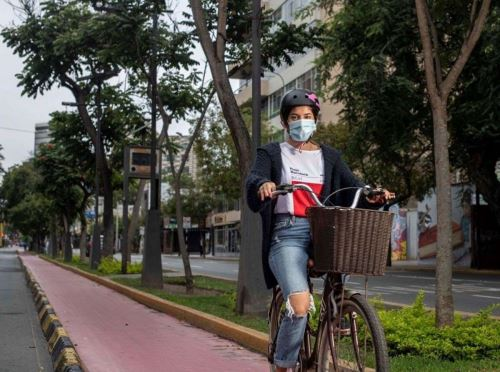 Las municipalidades provinciales y distritales deberán implementar el Sistema de Bicicletas Públicas, que consiste en poner a disposición de la ciudadanía, a través de un préstamo gratuito o alquiler, bicicletas. Foto: Cortesía