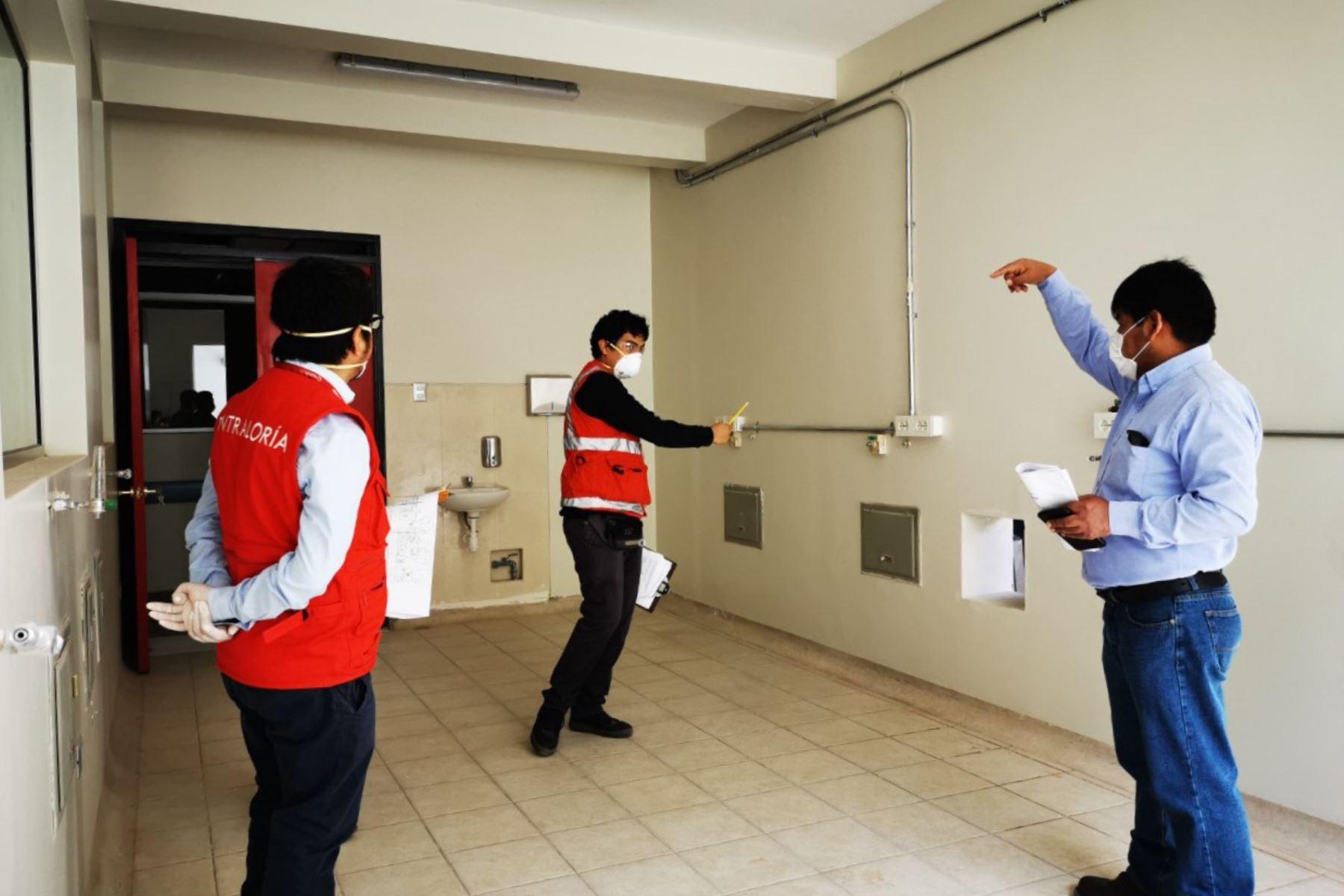 Inspectores de la Contraloría detectaron carencias en el hospital regional Mariscal Llerena de Ayacucho, en el contexto de la pandemia del covid-19.