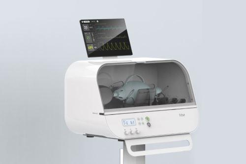 El Fitbit Flow se basa en bolsas de reanimación estándar, como las utilizadas por los paramédicos, con instrumentos sofisticados, sensores y alarmas que funcionan en conjunto para soportar compresiones automáticas y monitoreo de pacientes.