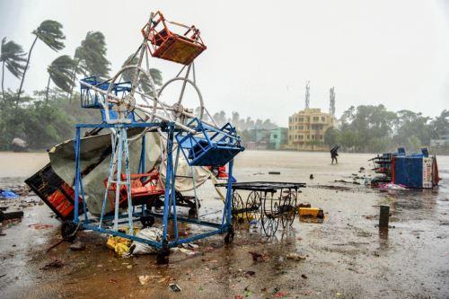 India registra seis fallecidos tras paso del ciclón Nisarga