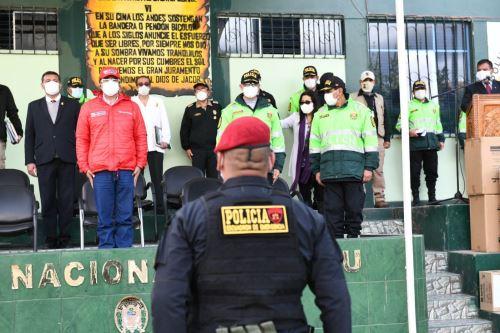 Coronavirus: Ministro del Interior saluda a policías que realizan labores en estado de emergencia en Cusco y Puno