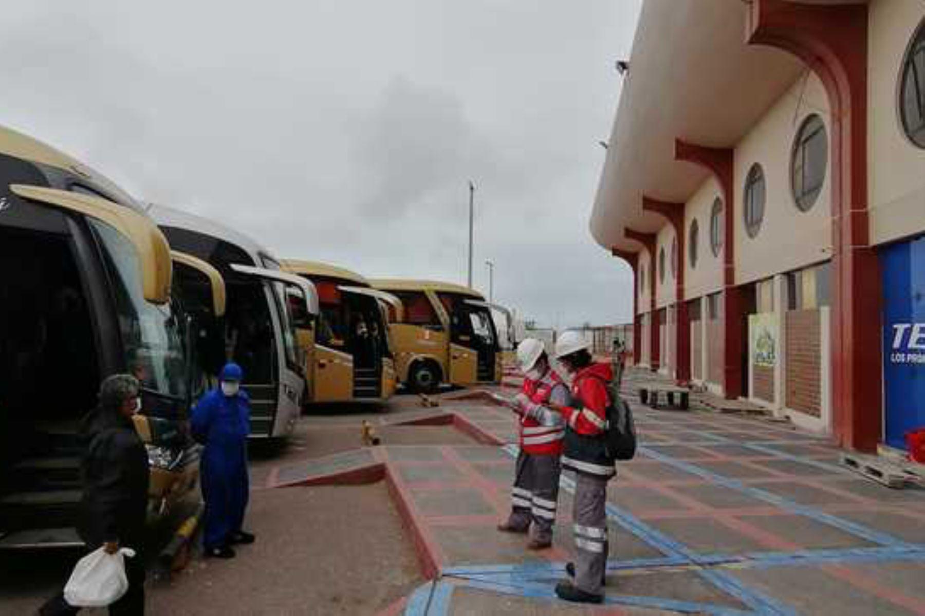 Diversas empresas de transporte interprovincial de pasajeros preparan sus medidas de bioseguridad para reanudar su servicio. ANDINA/Difusión
