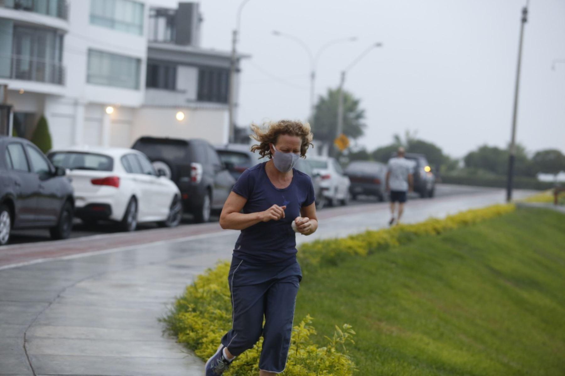 Correr es un hábito saludable que previene enfermedades.