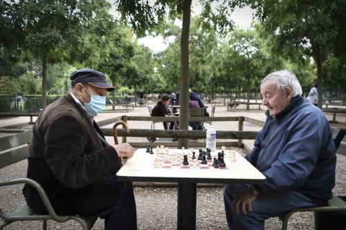 "Coronavirus: Francia declara ""controlada"" la pandemia de covid-19"