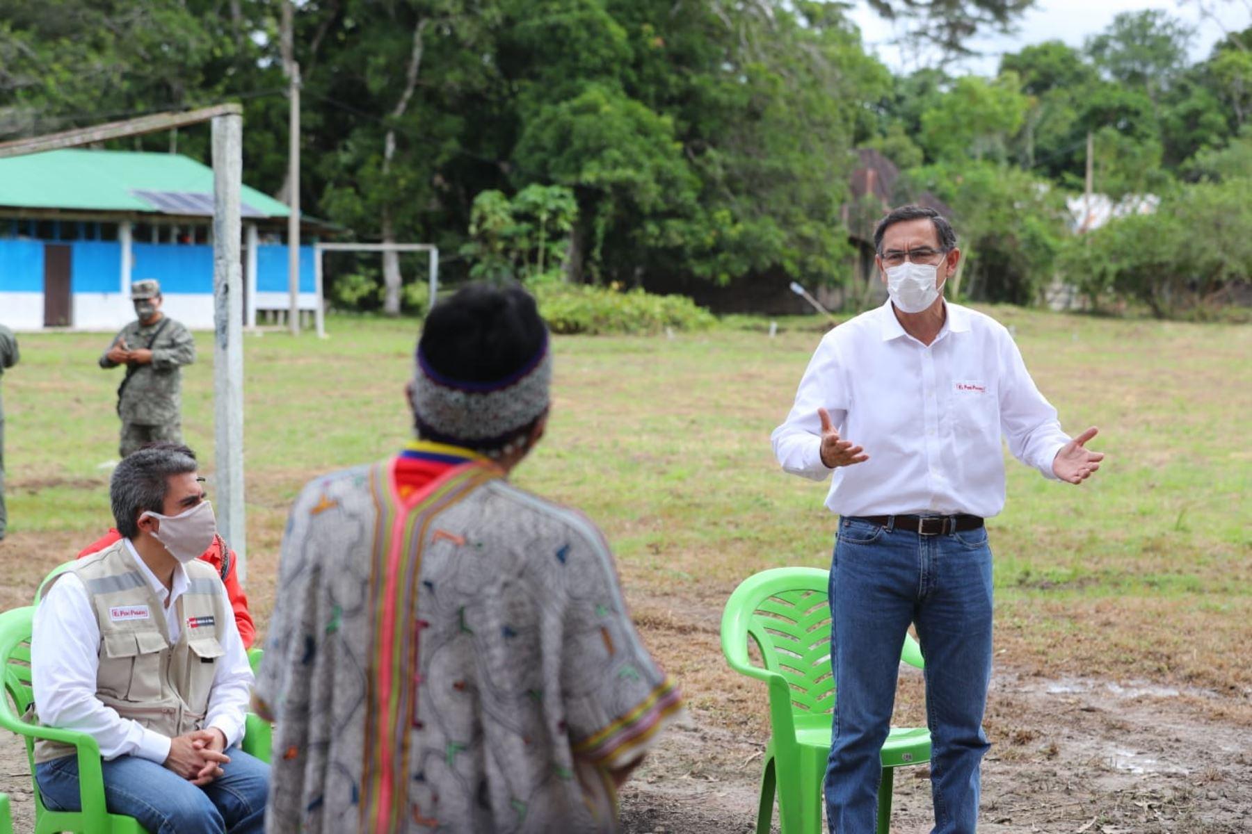 Presidente Vizcarra y el Ministro de Cultura, Alejandro Neyra visitan la Comunidad Nativa El Pilar en Madre de Dios. Foto: ANDINA/ Prensa Presidencia