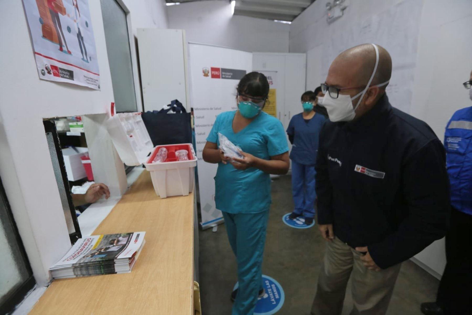 """Ministro de Salud, Víctor Zamora, lidera el lanzamiento de la estrategia """"La Hora de la Atención Primaria"""" en la sede de la DIRIS Centro. Foto: ANDINA/Minsa"""