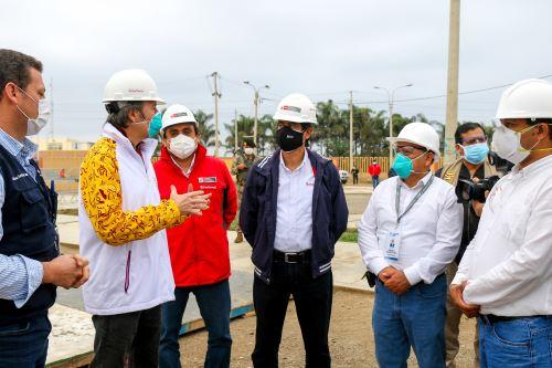Coronavirus: Ministro Carlos Lozada inspeccionó avances del hospital móvil de Cañete
