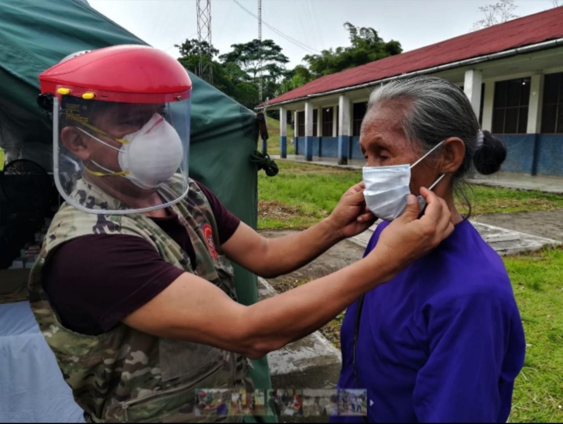 En el marco de las acciones frente a la propagación del covid-19, el Estado a través del Comando Conjunto de las Fuerzas Armadas, la Presidencia del Consejo de Ministros, los ministerios de Salud, Cultura y el Instituto Nacional de Defensa Civil brindó más de 4,400 atenciones de salud a la población de Loreto.