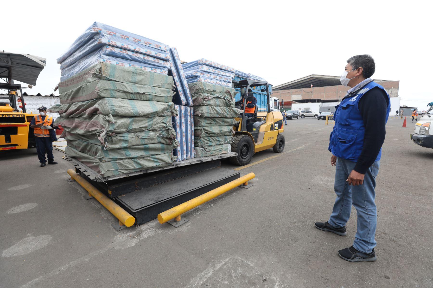Ante el incremento de ingresos hospitalarios en Piura, EsSalud envió 100 camas hospitalarias para pacientes covid-19. Foto: EsSalud