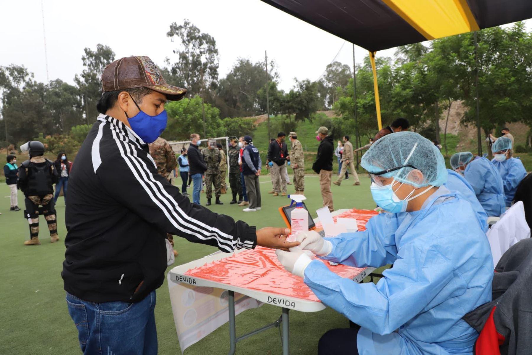 Minsa: el coronavirus ya muestra un descenso como promedio nacional en Perú   Noticias   Agencia Peruana de Noticias Andina