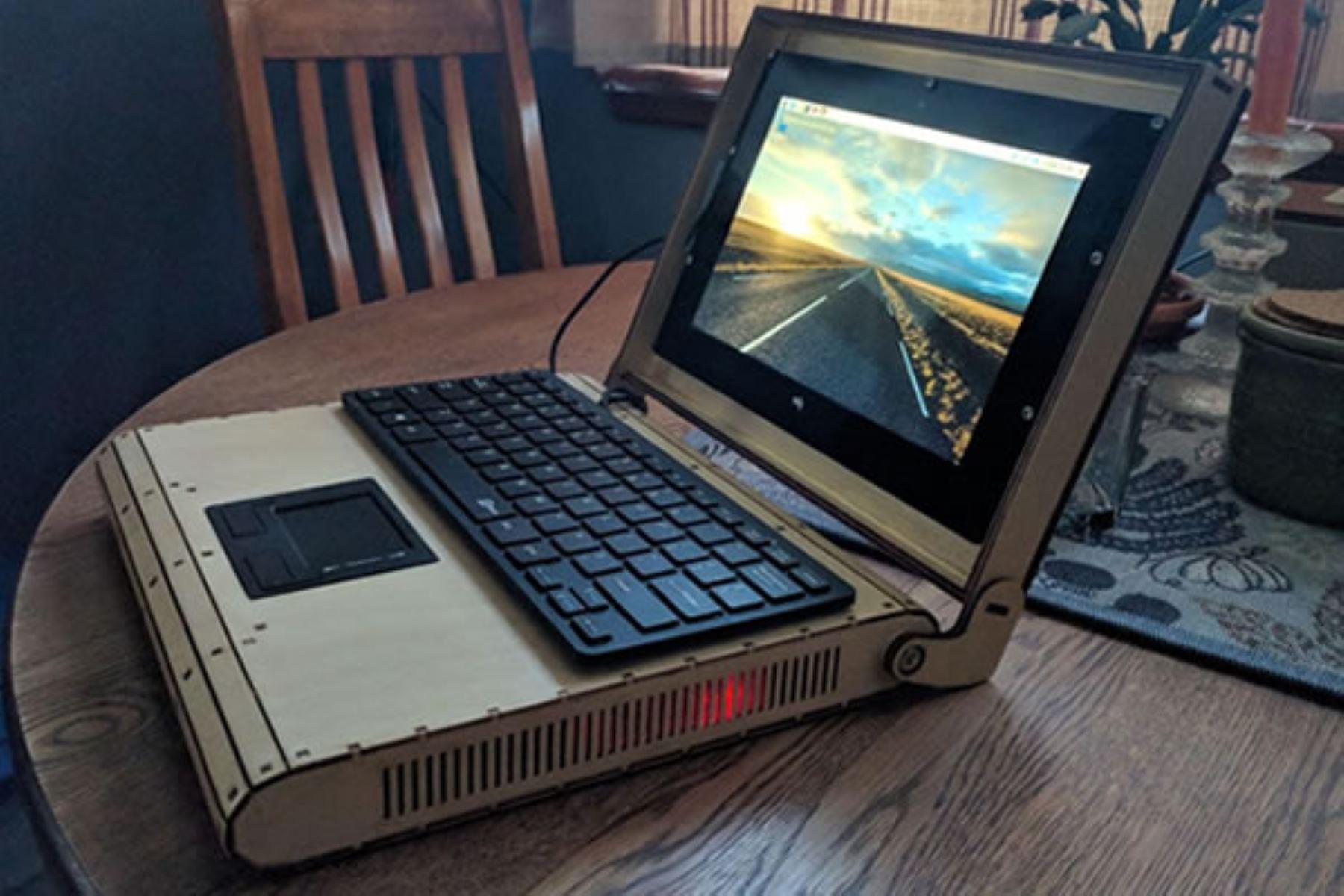 Ingenieros de San Marcos buscan fabricar computadoras usando materiales ecoamigables y sistemas operativos libres